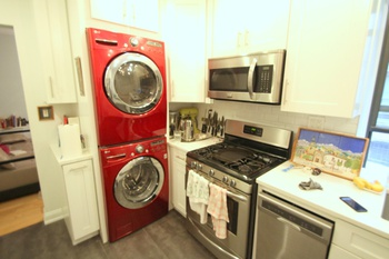 Newly Renovated Large 2 Bedroom in Prime Williamsburg